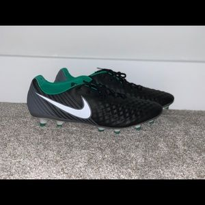 Nike Soccer Cleats Black Grey Green Size 12.5